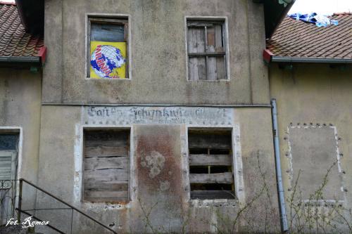 Kruklin - napis na budynku