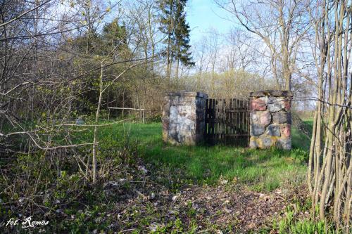 mentarz wojenny ,jest miejscem spoczynku 20 żołnierzy armii niemieckiej.