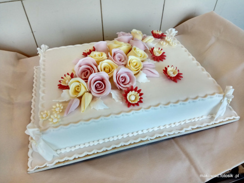 tort oklicznościowy #tort #okolicznościowy #tort #torty #róże #kwiaty
