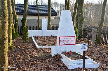 Biała Piska - Cmentarz wojenny z I i II wś