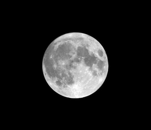 Noworoczny Superksiężyc