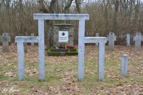 Dłutowo - cmentarz wojenny