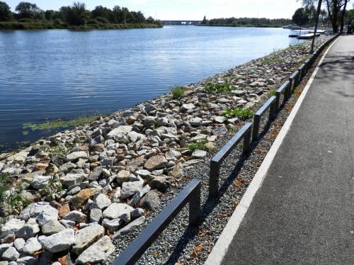 Nowe nabrzeże we wsi Siadło Dolne.