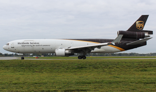 W dniu dzisiejszym Warszawskie Lotnisko opuścił na zawsze 3-silnikowy samolot MD-11. Model ten jest wycofywany z Europy i już nigdy nie zawita do Polski.