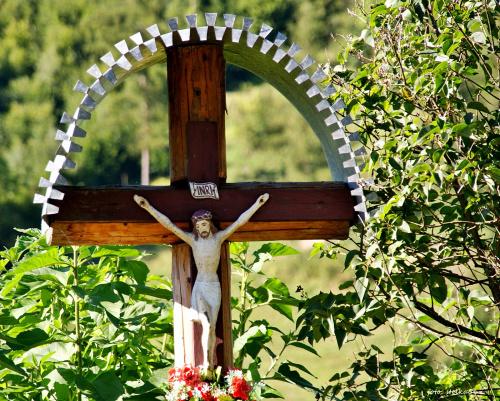 Przydrożny krzyż - Wierchomla Mała - wieś w pow. nowosądeckim ... (27.08) **** ulub. lidiaizabela ****