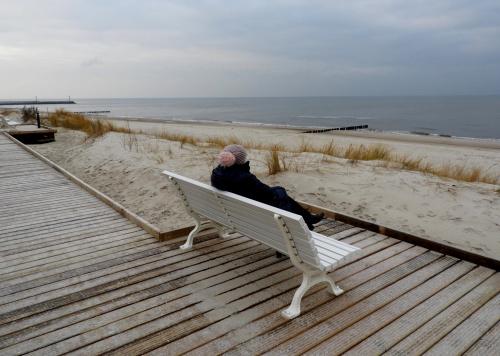 Miło tutaj posiedzieć i pogapić się na morze..