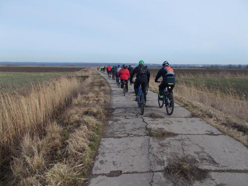 Jazda po Żuławach bez drogi z płyt betonowych się nie liczy :-)