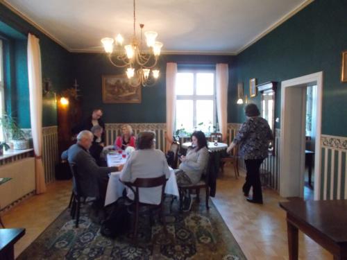 Sople - w dworskiej restauracji czekamy na obiad.