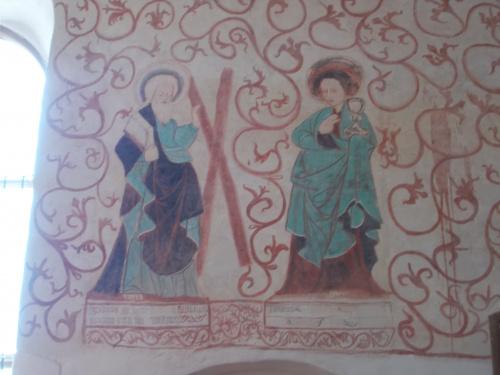 Wnętrze gotyckiego kościoła w Mariance.
