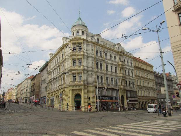 Praha. Strossmayerovo náměstí