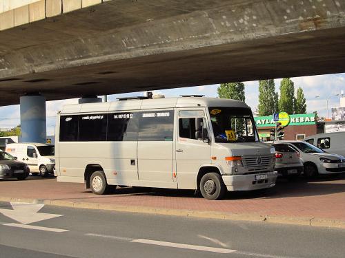 Mercedes Benz O815