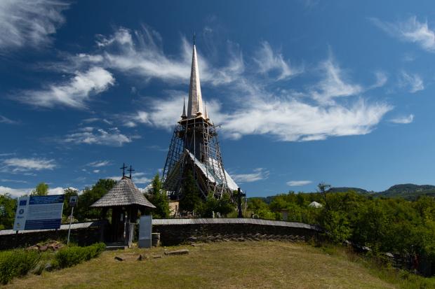 Kościół w Plopis - podczas renowacji