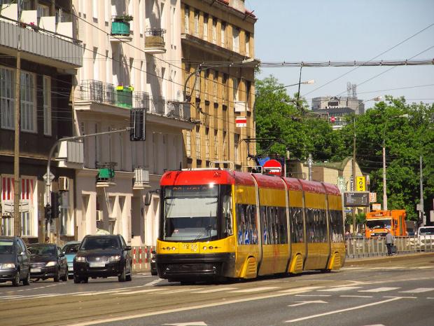 """Pesa 120Na """"Swing"""", #3233, Tramwaje Warszawskie"""