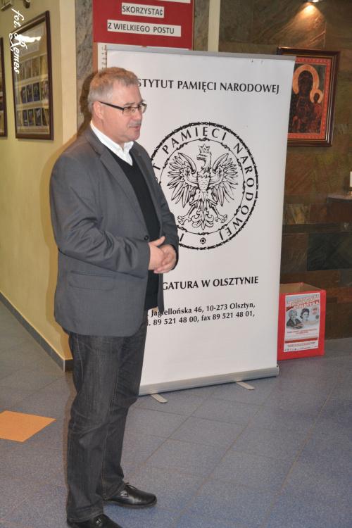 Przystanek Historia Pisz. W dniu 24.03 2017 odbyło się spotkanie z prokuratorem Andrzejem Ostapą z Biura Lustracyjnego IPN w Białymstoku pt. Historyczne-prawne aspekty lustracji w Polsce.