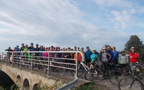 Fotka startowa na mostku nad Kanałem Elbląskim nieopodal pochylni Całuny