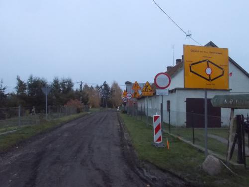 """Święty Gaj-budowa drogi do Kwietniewa i ,,znakoza"""" w pełni :-)"""