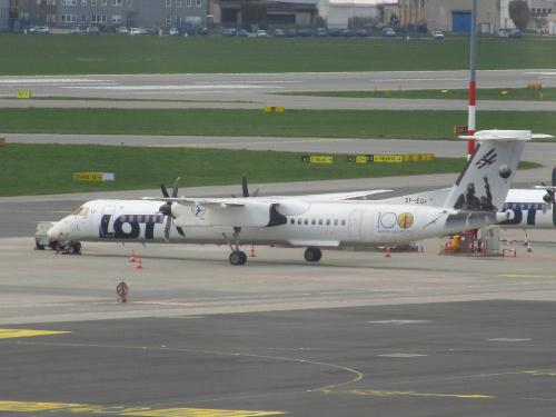 Bombardier DHC-8-402Q Dash 8, SP-EQK, PLL LOT