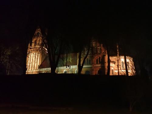 Gietrzwałd-iluminacja bazyliki Narodzenia Najświętszej Marii Panny