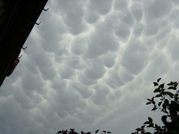 chmury mammatus