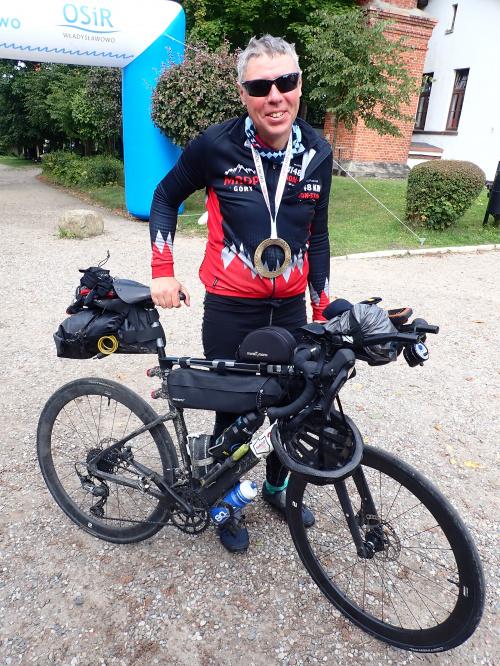 Maciej Paterak, jeden z ostatnich szczęśliwców, którzy zmieścili się w limicie czasu 240 godzin.