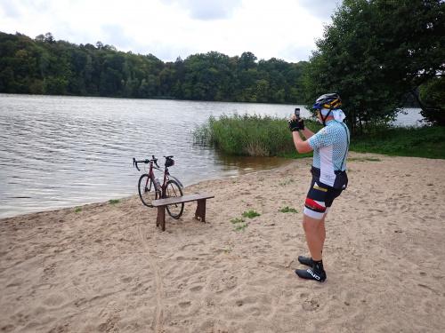 Andrzej uwiarygadnia się tradycyjną fotką z rowerem :-)