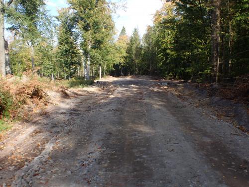 Biała Droga jest obecnie poszerzana, wzmacniana i będzie miała nową nawierzchnię