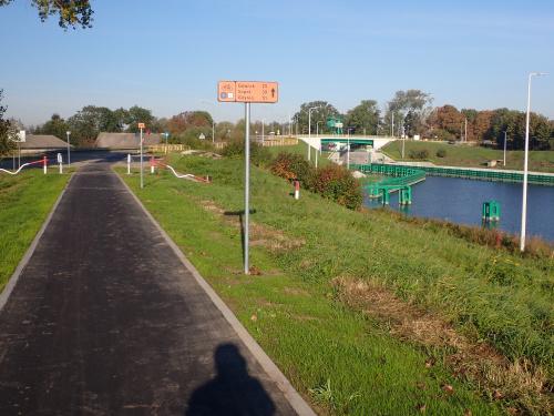 Kończy się pierwszy odcinek nowej drogi rowerowej Błotnik-Przegalina